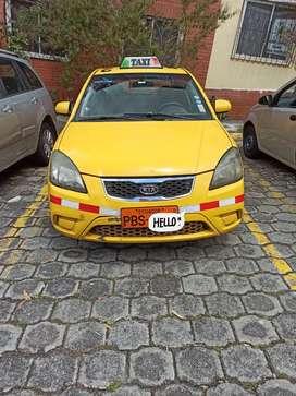Se vende taxi legal con puesto.