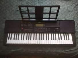 PIANO TECLADO ORGANO CASIO CT-X700 CON SENSIBILIDAD