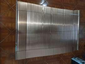 Persiana para ventana en aluminio, usada en buen estado