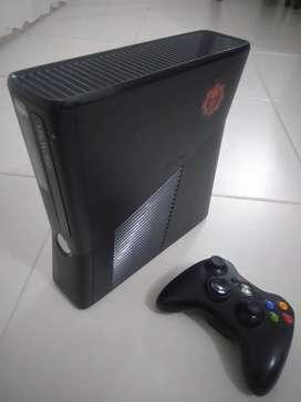 Xbox 360 Slim + 250GB + 25 Juegos originales