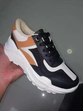 Se vende zapato deportivo al mejor precio y excelente calidad