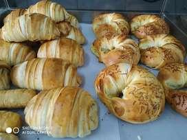 Se ofreció como panadero o ayudante de maestro de panadería