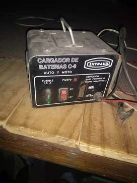 Vendo cargador de bateria en buen estado