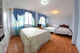 Casa de venta con 7 habitaciones y 5 baños