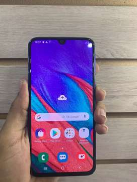 Samsung a40 impecable