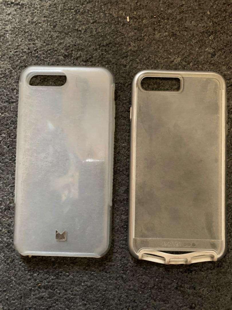 2 Fundas protectores del Iphone 7 plus usadas 0