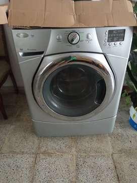 Vendo lavadora  carga frontal marca Whirlpool