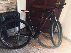 Bicicleta carbono cube rod 29