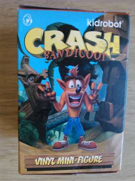 Figura de crash bandicoot nueva