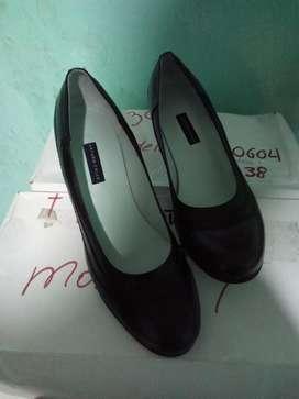 Se Vende Zapatos, Nuevos. 40.000 El Par