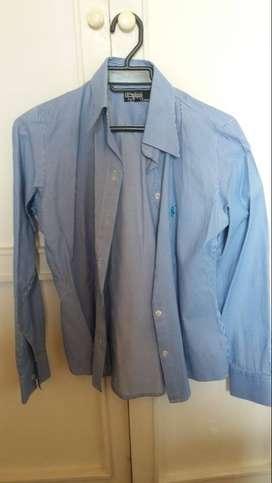 blusa azul de rayas marca Polo talla M para mujer