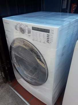 Secadora. Daewoo  usada 44 libras  Excelente estado