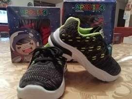 Hermosos zapatillas para niños y niñas