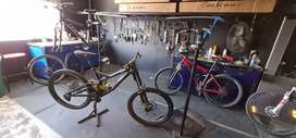 Bicicleta Downhill Specialized S-works Demo 8 CARBONO