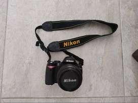 Cámara Nikon D40 con lente EXCELENTE ESTADO