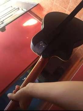 Guitarra electroacústica y acústica