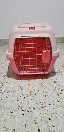 Canil transportador para gatos o perros. Impecable estado.