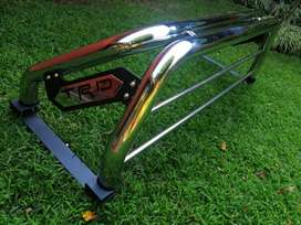 Rollbar Antivuelco cromada para Toyota Hilux  con Stop Led