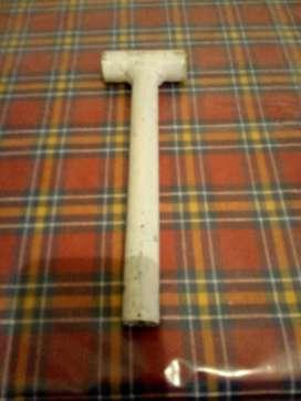 fabrico y vendo martillos manuales de hierro,
