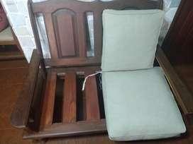 Vendo juego de sillones de algarrobo en perfecto estado