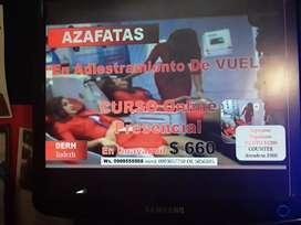 ¡¡ AZAFATAS EN PLENO ADIESTRAMIENTO DE VUELO