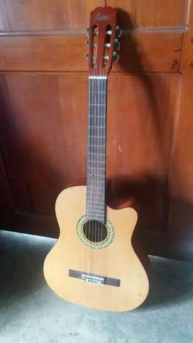 Vendo Guitarra acústica(semiacustica)