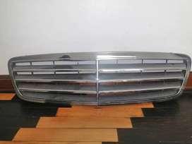 ORIGINAL Parrilla de Mercedes Benz W271 C180 C200 y C230 Kompressor 2001 al 2007
