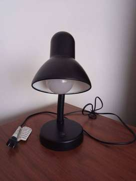 Lámpara de Escritorio con cuello ajustable