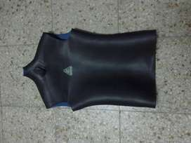 BUCEO SURF CHALECO