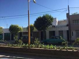 Hermosa casa en pleno centro de la ciudad de Deán Funes. A mts de la Policía.
