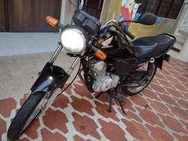Vendo hermosa cb1 125cc modelo 2013