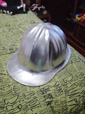 Antiguo casco de coleccion