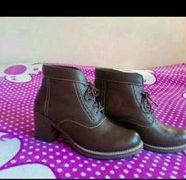 Venta de zapatos para damas  de segundo uso