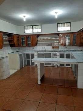 Alquilo departamento en Guayacanes