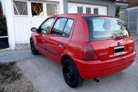 CLIO II 2002  ¡Se vende urgente!