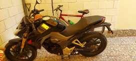 Vendo moto honda cb190r color negro