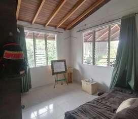 Se comparte apartamento o se alquila una habitación  persona sola que trabaje $450.000