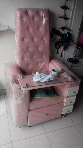 Se vende lavacabezas en porcelana y silla para manos y pies