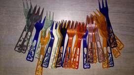 28 tenedores de cotillon o copetin