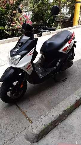 Vendo  moto  bws  papeles  nuevos de buga precio 9100000