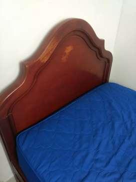 Venta cama sencilla de madera
