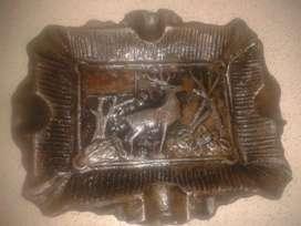 Cenicero antiguo de bronce