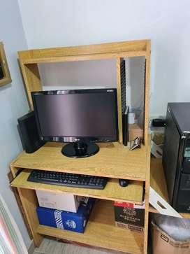 Vendo computadora completa con impresora y escaner Epson, monitor LG 27mueble de melanina de buena calidad y correderas,