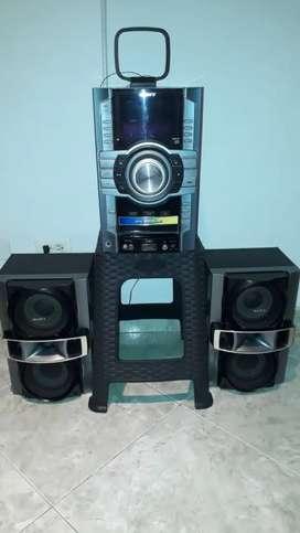 Vendo equipo de sonido sony en perfecto estado buen precio de oferta