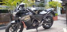 Honda CBR 250 Flamante