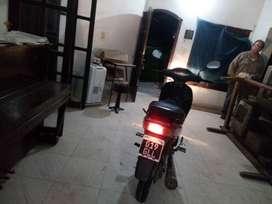 Vendo moto Brava