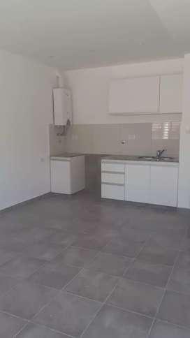 OPRTUNIDAD VENDO / PERMUTO ( tomo auto / terreno / menor valor ) casa + salón