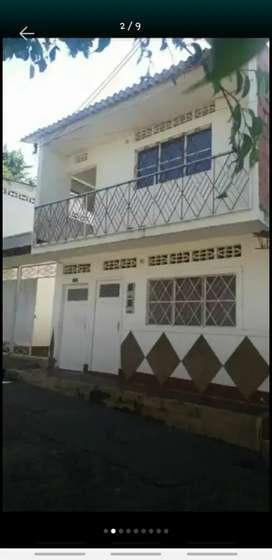 se vende casa, ubicada en agua de dios cundinamarca, rentable papeles al dia .
