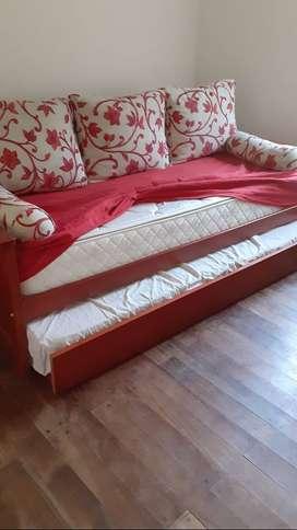Sofà cama de madera