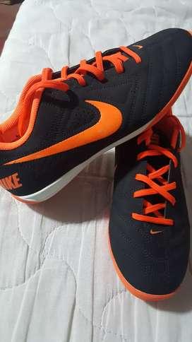 Zapatilla Nike Five